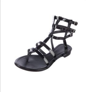 Chanel - Black patent round toe sandals